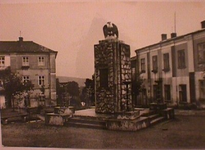 [Postcard of the Bircza war memorial (undated)]